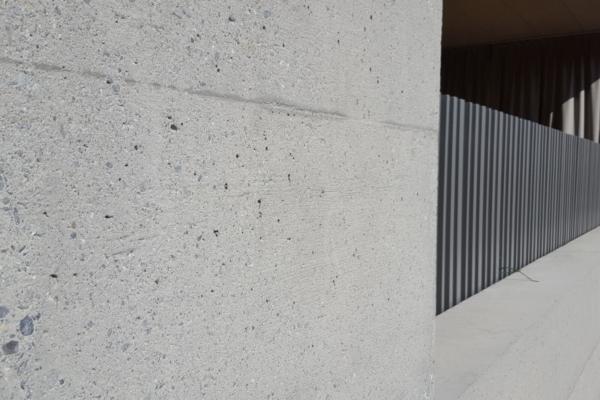 Gestrahlte Betonfassade